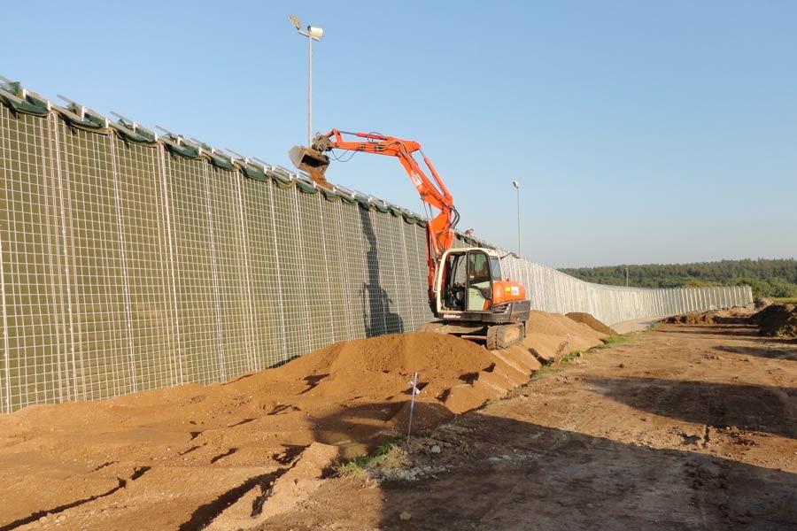 Errichtung einer Lärmschutzwand - Leistungen von RAU